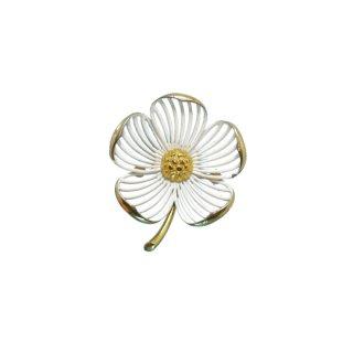 モネ・透かし模様の白いお花のブローチ