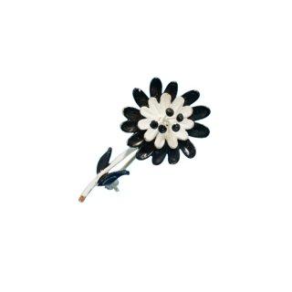 ハー・エナメル仕上げの小さなお花のブローチ