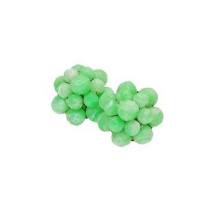 ジャパン・ペパーミントグリーン色のビーズのイヤリング