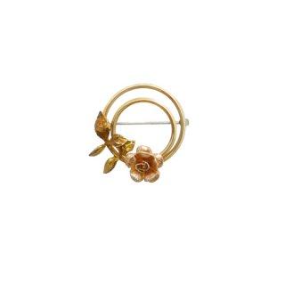 クレメンツ・薔薇と二重のサークルの小さなブローチ