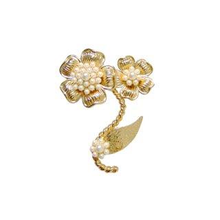 バトラー&ウィルソン・金色のお花とパールのブローチ