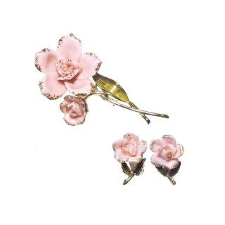コロ・2輪のピンクのお花のブローチセット
