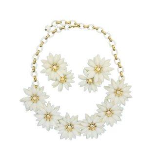 コロ・レトロ可愛い白いお花のネックレスセット