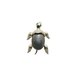 ゲリーズ・プティサイズの可愛らしい亀のブローチ