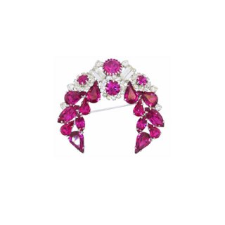ワイス・モードなフューシャピンク色のラインストーンブローチ