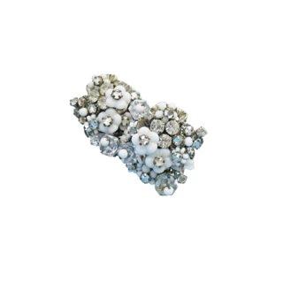 ロバート・白いお花とラインストーンのイヤリング