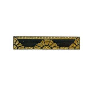 エナメル仕上げのブラック&ゴールドのバーブローチ