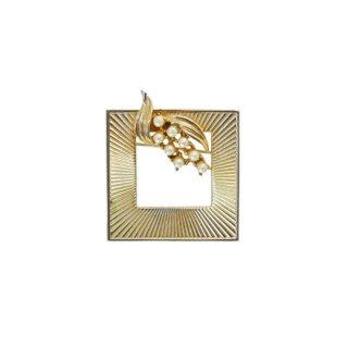 コロ・パールとリーフを装飾したスクウェアー型フレームのブローチ