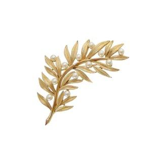 トリファリ・エレガントな金色のリーフとパールのブローチ