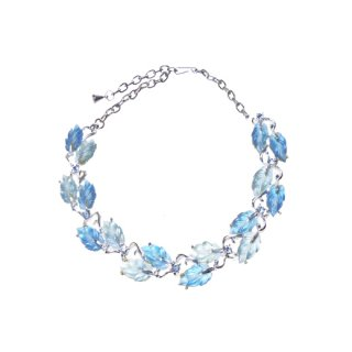 透明感のある美しいブルーリーフのネックレス