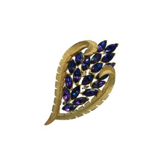 トリファリ・オーロラ色に煌くパープルラインストーンのブローチ