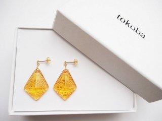 tokoba ピラミッド・ピアス アンバー菊つなぎ(K18)