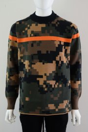 <img class='new_mark_img1' src='//img.shop-pro.jp/img/new/icons2.gif' style='border:none;display:inline;margin:0px;padding:0px;width:auto;' />sacai man<br>CAMOUFLAGE PULLOVER<br>【2カラー】