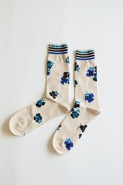 <img class='new_mark_img1' src='//img.shop-pro.jp/img/new/icons47.gif' style='border:none;display:inline;margin:0px;padding:0px;width:auto;' />sacai man<br>FLOWER PRINT SOCKS<br>【2カラー】