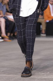 <img class='new_mark_img1' src='https://img.shop-pro.jp/img/new/icons47.gif' style='border:none;display:inline;margin:0px;padding:0px;width:auto;' />sacai man<br>Tweed Pants<br>【NAVY】