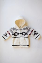 <img class='new_mark_img1' src='//img.shop-pro.jp/img/new/icons47.gif' style='border:none;display:inline;margin:0px;padding:0px;width:auto;' />BAREFOOTDREAMS<br>infant native hoodie【2カラー】