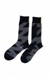 <img class='new_mark_img1' src='//img.shop-pro.jp/img/new/icons47.gif' style='border:none;display:inline;margin:0px;padding:0px;width:auto;' />sacai<br>Glencheck Socks