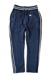 <img class='new_mark_img1' src='//img.shop-pro.jp/img/new/icons2.gif' style='border:none;display:inline;margin:0px;padding:0px;width:auto;' />BLUE BLUE × FRUIT OF THE LOOM<br>INDIGO JOG PANTS