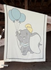 <img class='new_mark_img1' src='https://img.shop-pro.jp/img/new/icons53.gif' style='border:none;display:inline;margin:0px;padding:0px;width:auto;' />BAREFOOT DREAMS<br>Disney Dumbo Blanket