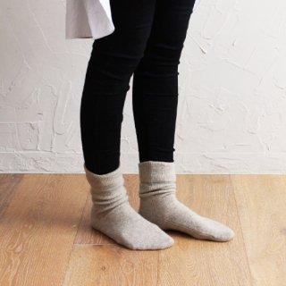 AND WOOL 手編み機で編んだ靴下