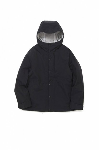 White Mountaineering<br>GORE-TEX HOODED BLOUSON