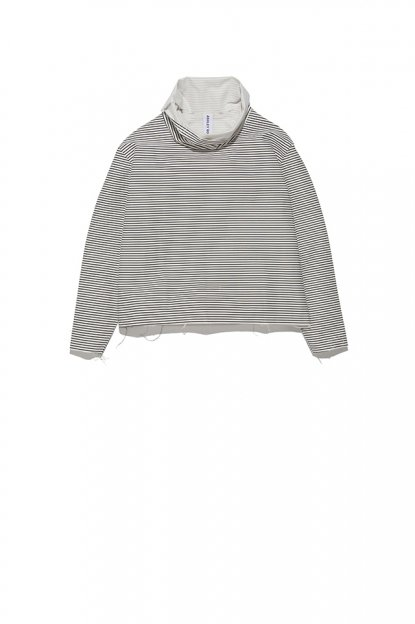 ASHLEY ROWE<br>Fitted Turtleneck