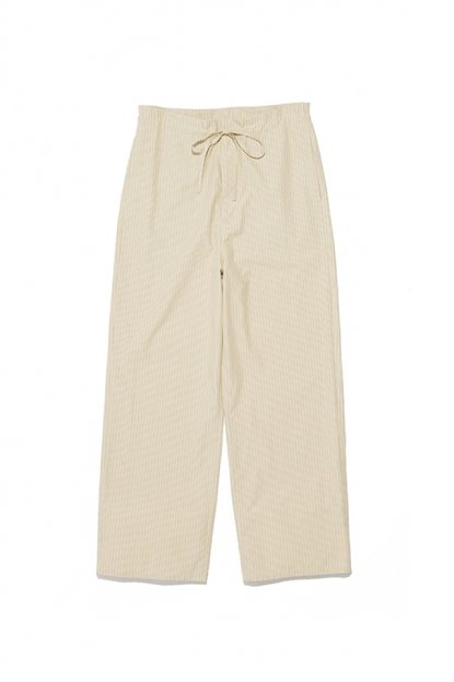 AURALEE<br>WASHED FINX TWILL EASY WIDE PANTS