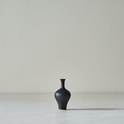 Annikki Hovisaari for ARABIA<br>Pottery small long neck vase 1960's