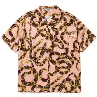 CALEE キャリー Allover snake pattern S/S shirt<Pink><img class='new_mark_img2' src='https://img.shop-pro.jp/img/new/icons14.gif' style='border:none;display:inline;margin:0px;padding:0px;width:auto;' />