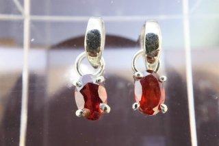 ガーネット ペンダントトップ  1個 高品質宝石キラキラカット 1月誕生石 sillver925使用