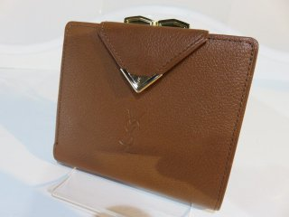 美品‼ イヴサンローラン ゴールド金具 コンパクト がま口二つ折り財布