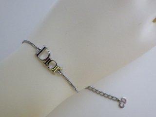 クリスチャンディオール Diorロゴ ブレスレット シルバーカラー