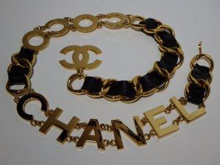 VINTAGE CHANEL ヴィンテージシャネル COCO CHANEL BIGロゴプレート ゴールド レザー チェーンベルト