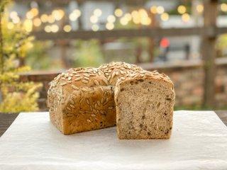 【クール冷凍便】ひまわりの種の雑穀食パン