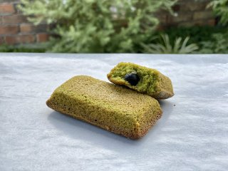 米粉のフィナンシェ(新宮抹茶と黒豆)