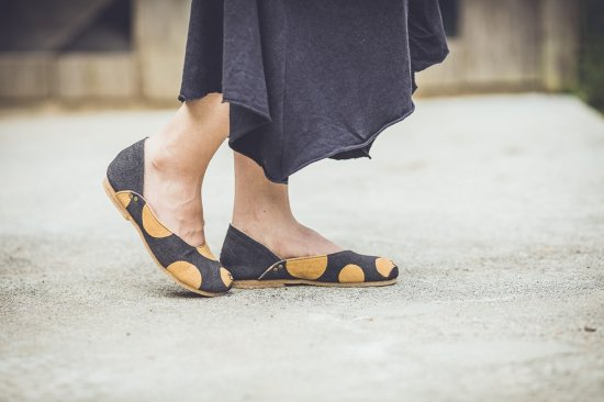 <img class='new_mark_img1' src='https://img.shop-pro.jp/img/new/icons5.gif' style='border:none;display:inline;margin:0px;padding:0px;width:auto;' />Hemp Plie shoes