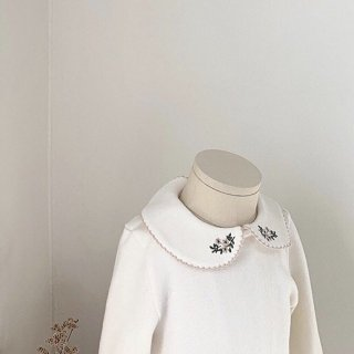 丸襟刺繍ボディースーツ