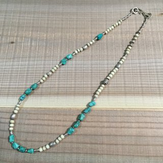<img class='new_mark_img1' src='//img.shop-pro.jp/img/new/icons3.gif' style='border:none;display:inline;margin:0px;padding:0px;width:auto;' />FreeL THE ONLY Born beads & Turquoise beads Random Necklace