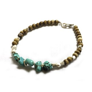 <img class='new_mark_img1' src='//img.shop-pro.jp/img/new/icons49.gif' style='border:none;display:inline;margin:0px;padding:0px;width:auto;' />FreeL THE ONLY Horn & Power Stone Beads Bracelet