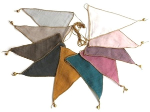 Numero74  Triangle   garland multi color