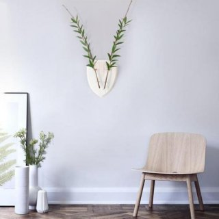 <img class='new_mark_img1' src='https://img.shop-pro.jp/img/new/icons14.gif' style='border:none;display:inline;margin:0px;padding:0px;width:auto;' />Eco-Deer white (wall vase)