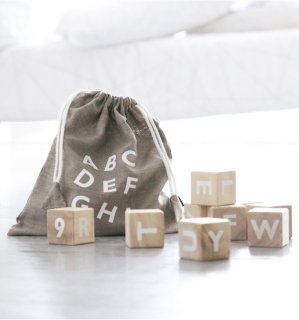 入荷!Ooh noo Alphabet blocks   white