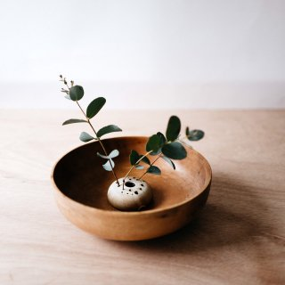 <img class='new_mark_img1' src='//img.shop-pro.jp/img/new/icons14.gif' style='border:none;display:inline;margin:0px;padding:0px;width:auto;' />Notary Ceramics  low flower frog vase