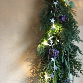 <img class='new_mark_img1' src='https://img.shop-pro.jp/img/new/icons14.gif' style='border:none;display:inline;margin:0px;padding:0px;width:auto;' />Blooming ville star garland light