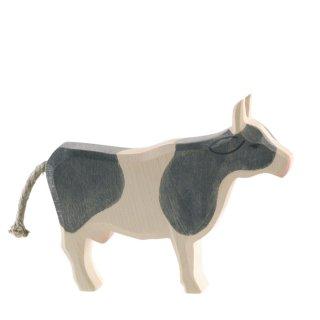 cow b&w standing
