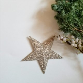 <img class='new_mark_img1' src='//img.shop-pro.jp/img/new/icons14.gif' style='border:none;display:inline;margin:0px;padding:0px;width:auto;' />Bloomingville diamond star beads ornament