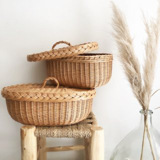 <img class='new_mark_img1' src='https://img.shop-pro.jp/img/new/icons14.gif' style='border:none;display:inline;margin:0px;padding:0px;width:auto;' />Straw Lid basket From Latvia