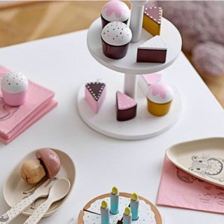 <img class='new_mark_img1' src='https://img.shop-pro.jp/img/new/icons14.gif' style='border:none;display:inline;margin:0px;padding:0px;width:auto;' />Bloomingville  afternoontea party set of 10