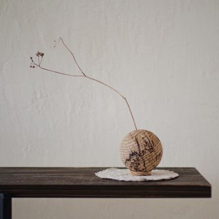 入荷!Solid wood  Ball Vase