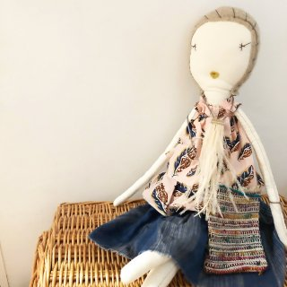 <img class='new_mark_img1' src='https://img.shop-pro.jp/img/new/icons14.gif' style='border:none;display:inline;margin:0px;padding:0px;width:auto;' />JESS BROWN with feather necklace&bag